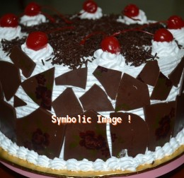 Last Hour Deal Black Forest Cake